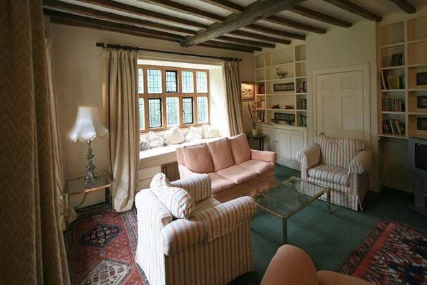 Phòng khách đẹp và lãng mạng