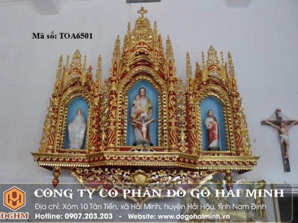 Tòa ba công giáo thiếp vàng