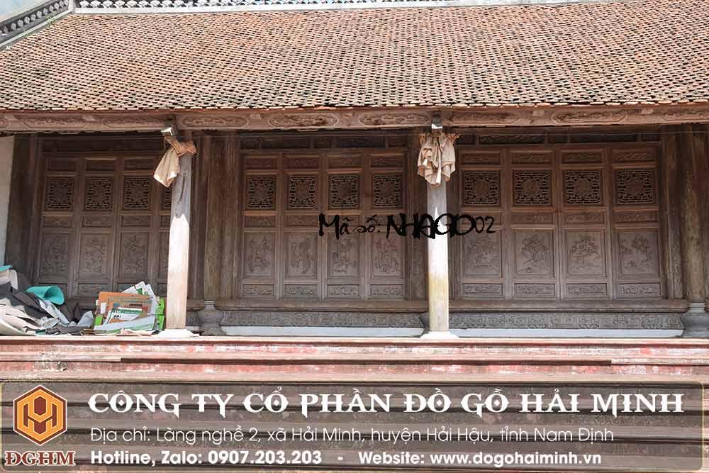 nhà cổ bằng gỗ lim
