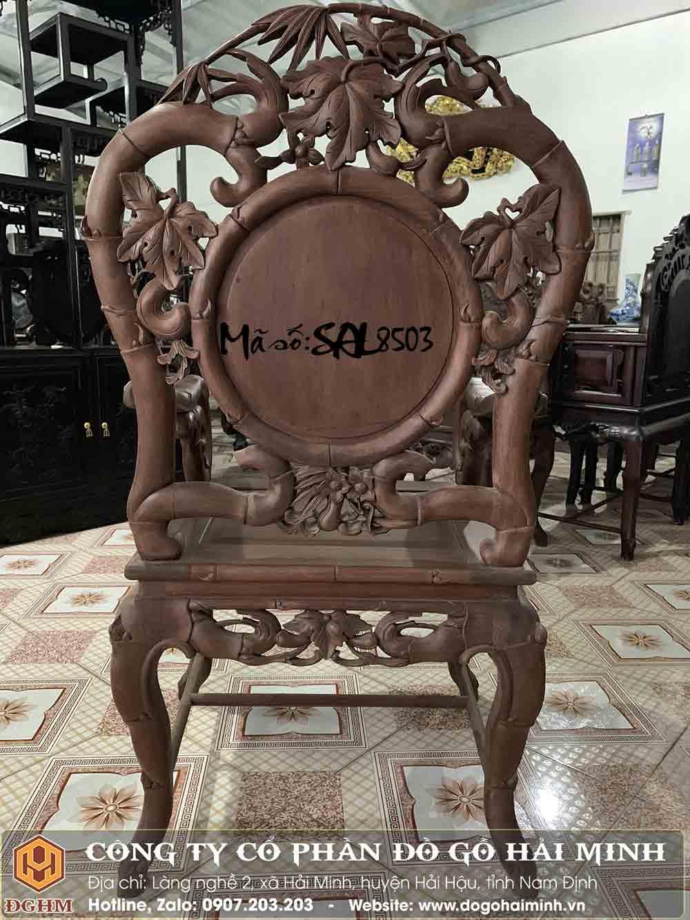 mặt sau ghế trúc gỗ gụ