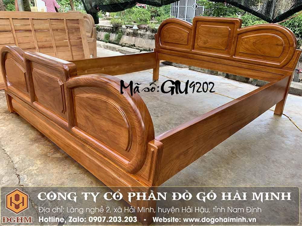 giường 1m8x2m vai liền tấm gỗ gõ